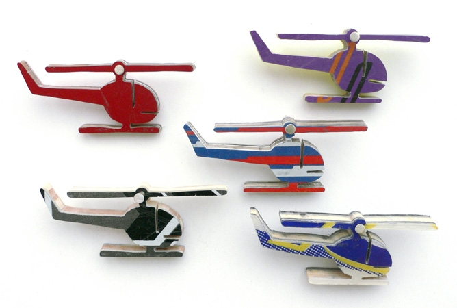 """<span class=""""prodinfo"""">Serie 'schnee von gestern' <br /> 'helicopter' —  brooches 1—5, different colors<br /> <em>Height</em> 23 mm <em>length</em> 58 mm<br /> <em>Material</em> silver, ski<br /> <em>Price</em> € 65.– each</span><a href=""""mailto:jantje@jantjefleischhut.com?subject=JANTJE%20FLEISCHHUT%20/%20Online%20Collection&body=The product of your dreams...%0A----------------------------------%0A'helicopter'  Price € 65.– each%0A----------------------------------%0APlease leave your favorite selection/colour:%0A%0AName: %0A%0AAdress: %0A%0ACity: %0A%0A%0AWe will give you a message for the procedure.%0AJANTJE FLEISCHHUT jewellery is love%0A----------------------------------%0AAll prices are inclusive VAT and exclusive delivery charges.%0AAll prices announced in the Online Gallery handled carefully however without engagement.%0AThe exact delivery date cannot be specified of articles sent abroad.%0ADelivery will take place on full payment."""" class=""""buy"""" title=""""You need a Email-Client to order products."""">Buy this</a>"""