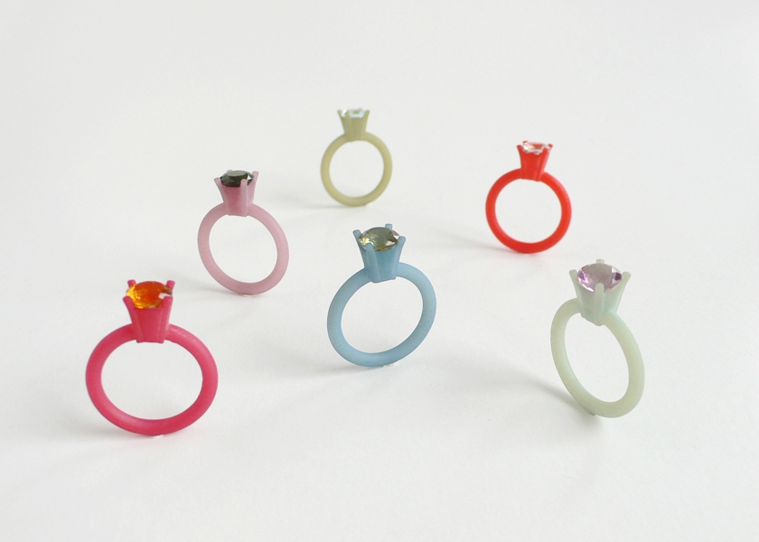 """<span class=""""prodinfo"""">'REALPLASTIC' — rings, different colors<br /> <em>Total hight </em> 25–32 mm<br /> <em>Material</em> 3Dprint, hand coloured, various precious stones<br /> <em><strong>sold out</strong></em></span><a href=""""mailto:jantje@jantjefleischhut.com?subject=JANTJE%20FLEISCHHUT%20/%20Online%20Collection&body=The product of your dreams...%0A----------------------------------%0A'REALPLASTIC' — RING Price € 210.–%0A----------------------------------%0APlease leave your favorite selection/colour:%0A%0AName: %0A%0AAdress: %0A%0ACity: %0A%0A%0AWe will give you a message for the procedure.%0AJANTJE FLEISCHHUT jewellery is love%0A----------------------------------%0AAll prices are inclusive VAT and exclusive delivery charges.%0AAll prices announced in the Online Gallery handled carefully however without engagement.%0AThe exact delivery date cannot be specified of articles sent abroad.%0ADelivery will take place on full payment."""" class=""""buy"""" title=""""You need a Email-Client to order products."""">Buy this</a>"""