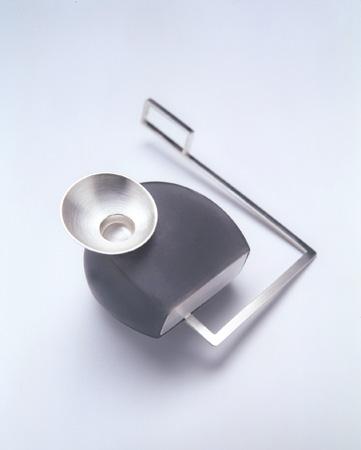 "<span class=""prodinfo"">'blaue schüssel'  — brooch 2002<br /> <em>Width</em> 45 mm<br /> <em>Material</em> silver, resin, fiberglass</span><a href=""mailto:jantje@jantjefleischhut.com?subject=JANTJE%20FLEISCHHUT%20/%20Online%20Collection&body="" class=""buy"" title=""You need a Email-Client to order products.""></a>"