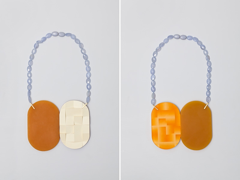 """<span class=""""prodinfo"""">'equiphase zone' — necklace 2012<br /> <em>Material</em> 14ct gold, Chalcedon, found plastic, resin, pigment  <em>Length</em> 75 mm</span><a href=""""mailto:jantje@jantjefleischhut.com?subject=JANTJE%20FLEISCHHUT%20/%20Online%20Collection&body="""" class=""""buy"""" title=""""You need a Email-Client to order products.""""></a>"""